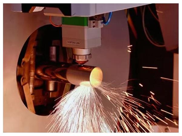 metal tube laser cutting machine3